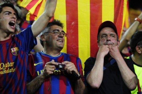 La final de la Copa del Rey 2012 que enfrentaba al F.C Barcelona contra el Athletic de Bilbao se vio envuelta en una polémica pitada al himno español tras las amenazas de Esperanza Aguirre de cerrar el campo en caso de pitidos al himno.